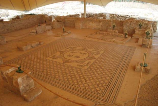 Bodenmosaik in der Synagoge Ein Gedis