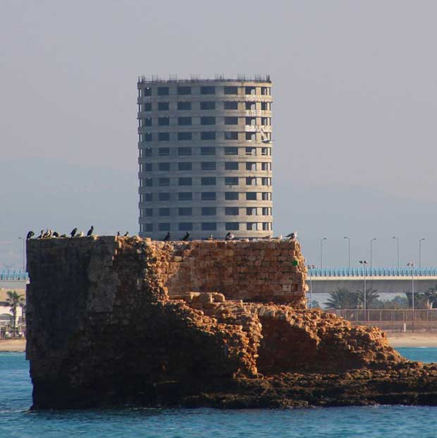 Flies tower in Acre port