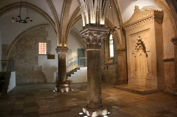 עשר כנסיות ואתרים המספרים את חייו של ישו