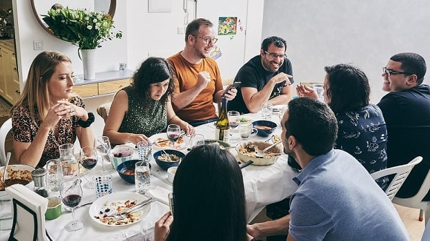 'Betzavta' Friday night dinner with Israelis